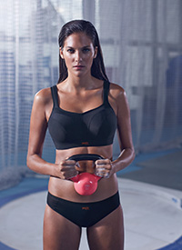07 SPORTSBRA 5021 WIRED BLACK 1572 CMYK versie 3